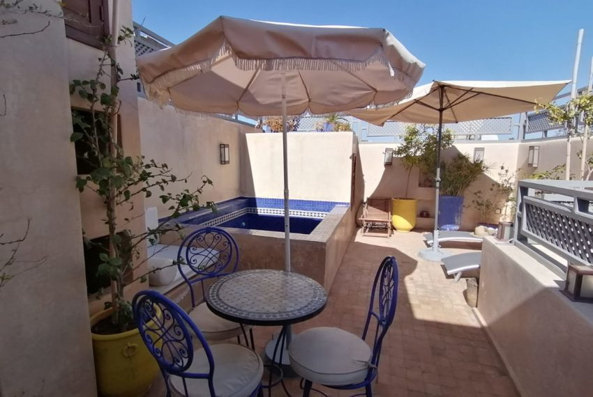 CHARMING TYPICAL RIAD FOR SALE IN MARRAKECH