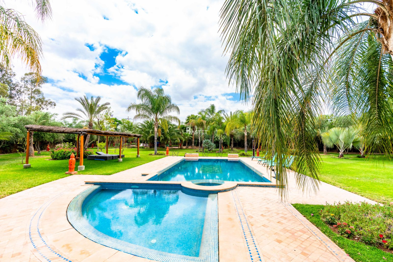 LUXURY FAMILY VILLA FOR HOLIDAY RENTAL IN MARRAKECH